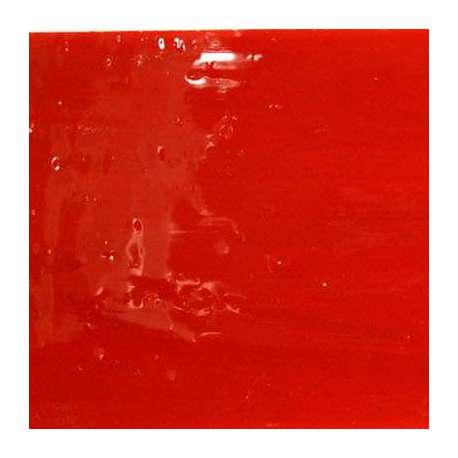 Verre rouge profond