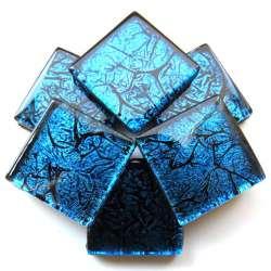 Réflexion mosaique bleu violacé