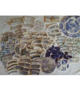 Lots de vaisselle cassée bleue