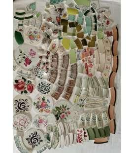 Lot de vaisselle cassée vert/rose et fleurs. lot unique sinon sur commande