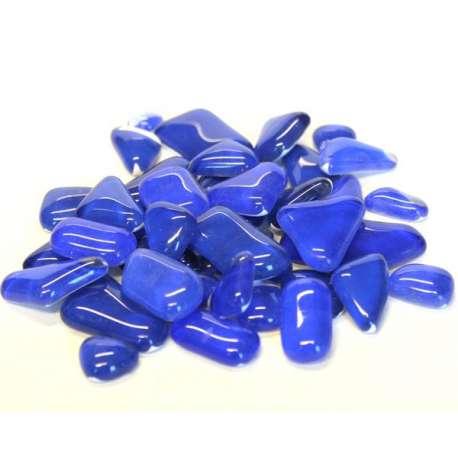 Galets de verre coloré bleu