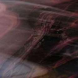 Verre prune marbré très légèrement transparente