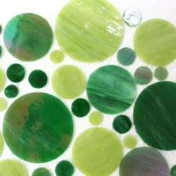 Cercles de verre vert